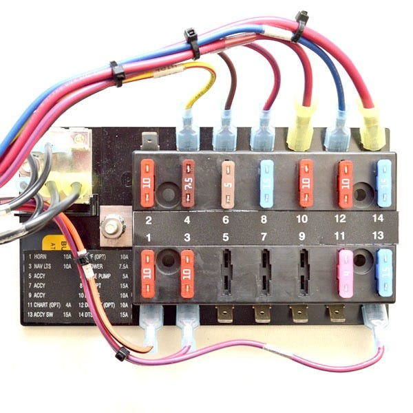2f8809edfb05e2a4b2d4d18569ec0867 boat switch panel w fuse box 2123629 sea ray 210 230 slx black Switchable Fuse at mifinder.co
