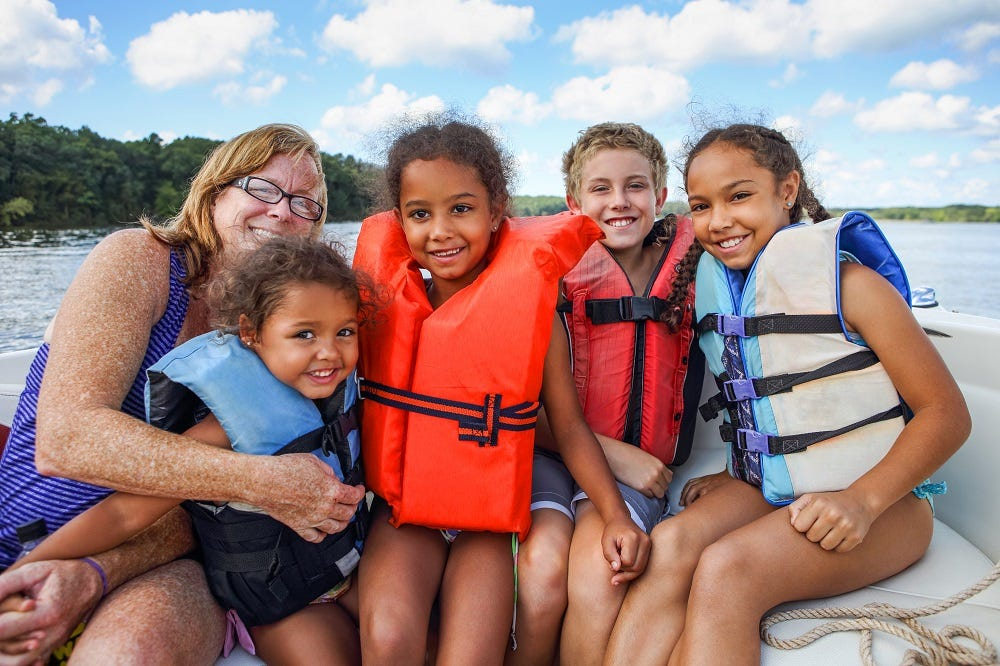 Waves of Wonder: 5 Activities for Young Boaters