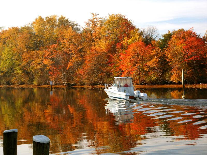 5 Places for Fall Boating