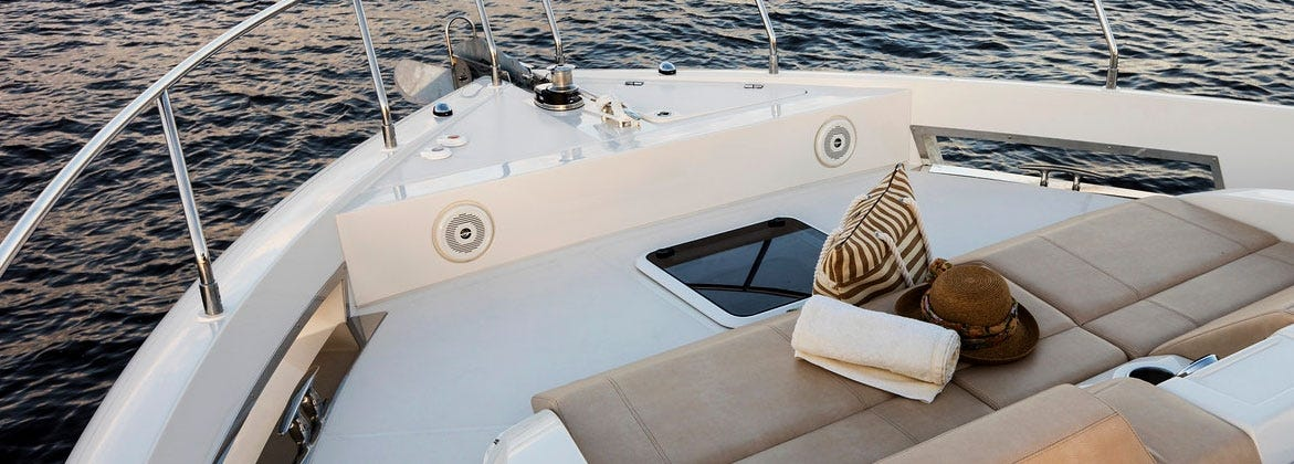 Boat ventilation hatch